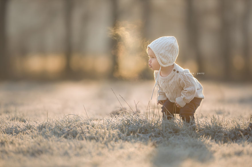 Mother-Strives-to-Capture-the-Magic-of-Childhood-with-her-Photography26__880