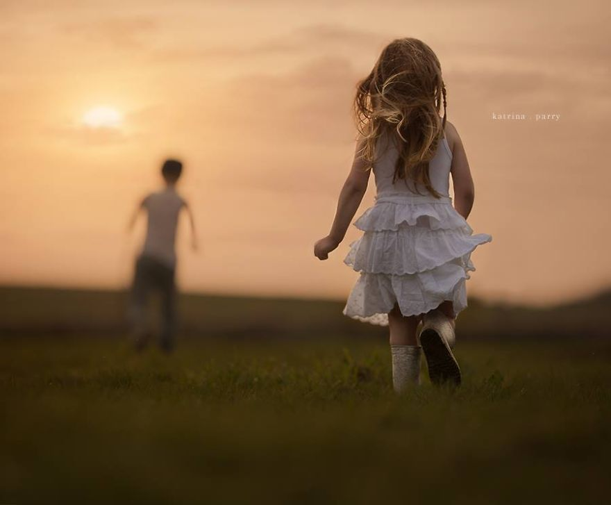Mother-Strives-to-Capture-the-Magic-of-Childhood-with-her-Photography28__880