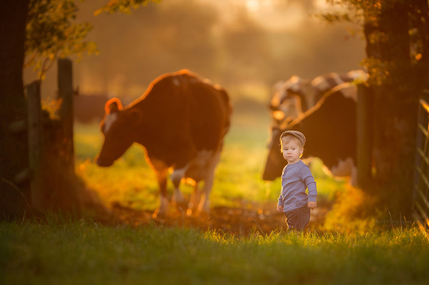 mother-strives-to-capture-the-magic-of-childhood-with-her-photography-13__880