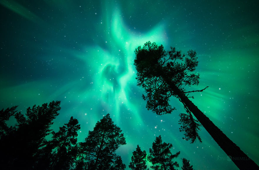 northern-lights-that-i-photographed-in-my-home-country-finland__880