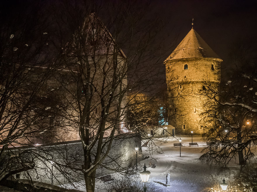 Travelling-back-in-time-15-breathtaking-pictures-of-medieval-Tallinn13__880