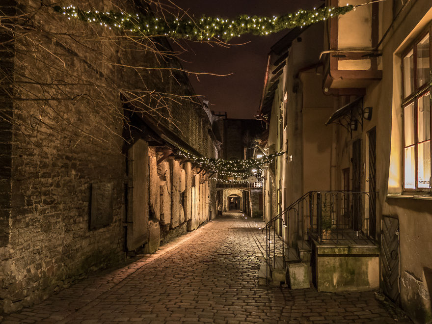Travelling-back-in-time-15-breathtaking-pictures-of-medieval-Tallinn1__880
