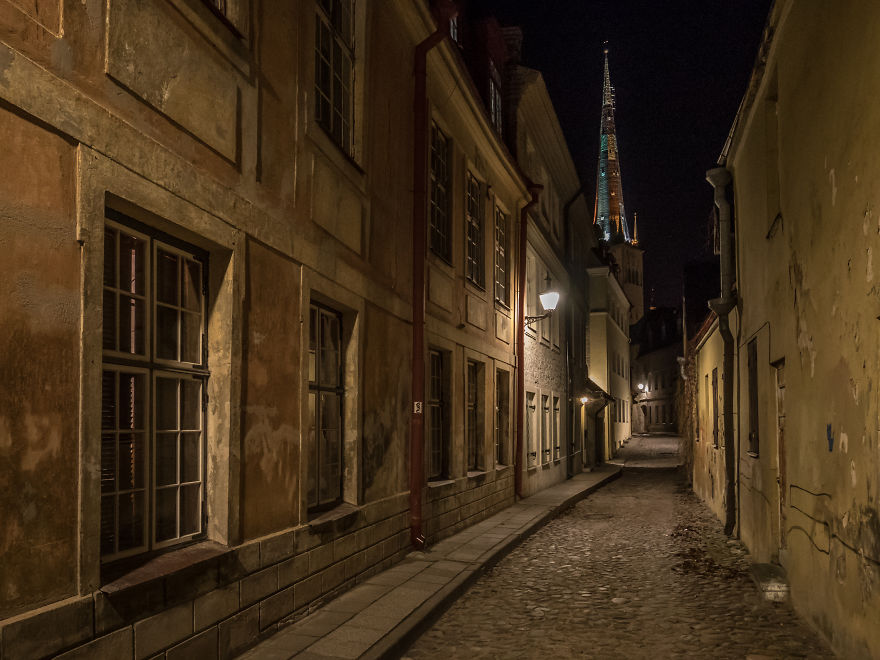 Travelling-back-in-time-15-breathtaking-pictures-of-medieval-Tallinn8__880