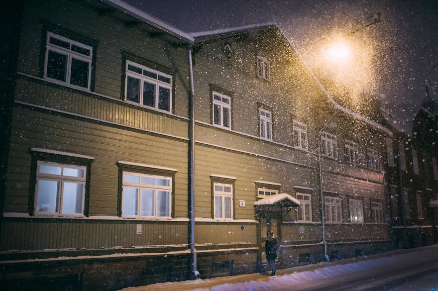 after-missing-my-bus-i-decided-to-walk-home-in-a-blizzard-and-photograph-my-city-tallinn-29__880