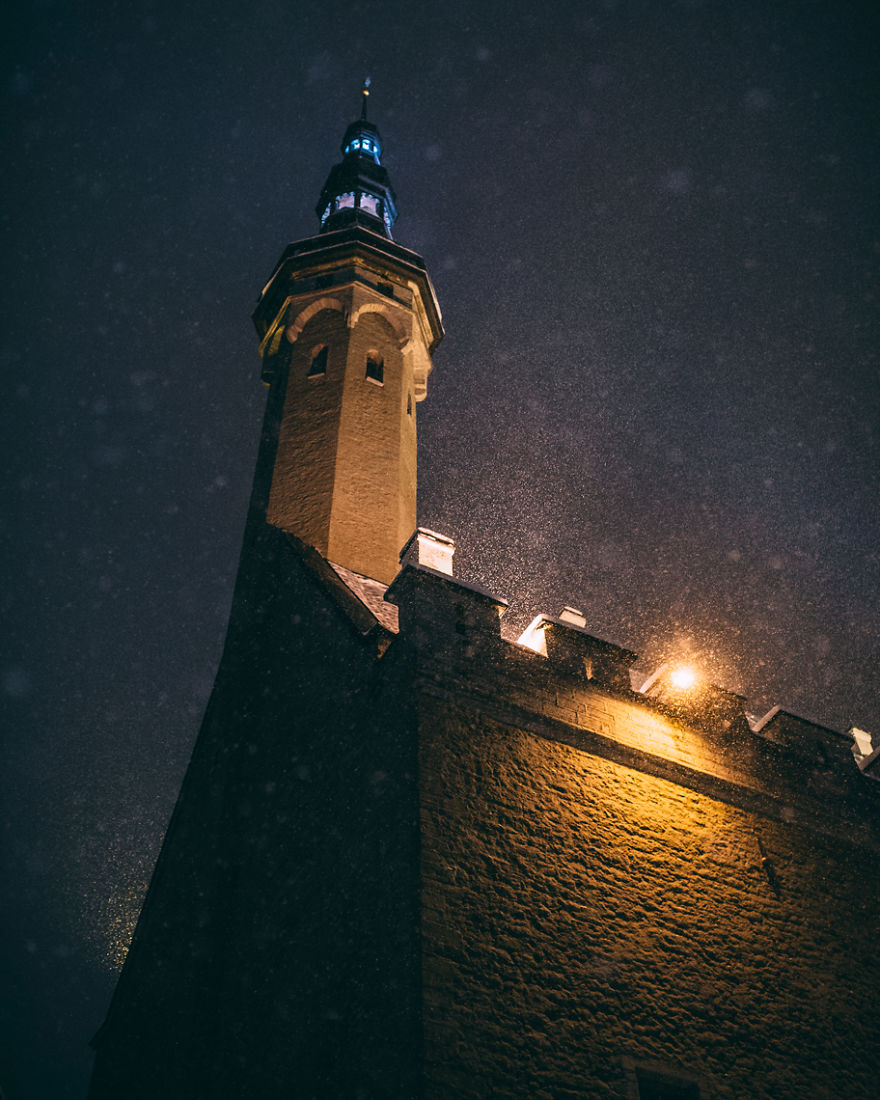 after-missing-my-bus-i-decided-to-walk-home-in-a-blizzard-and-photograph-my-city-tallinn-32__880