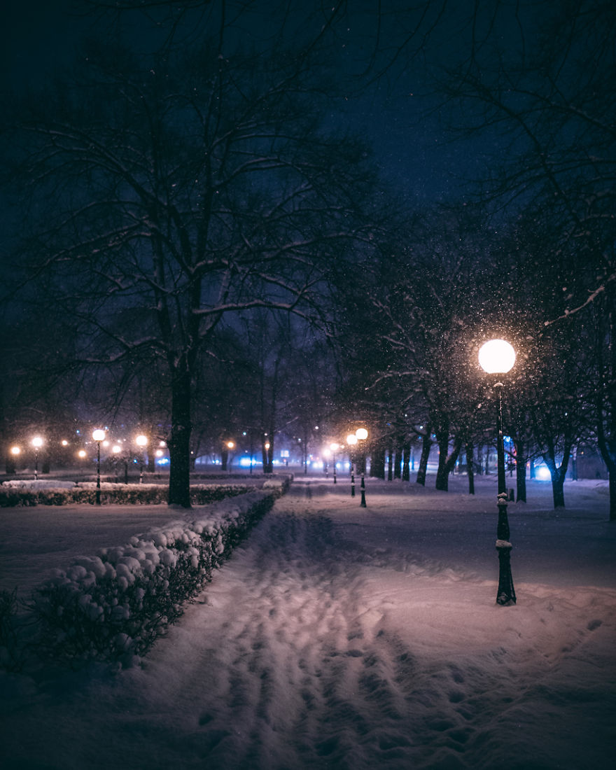 after-missing-my-bus-i-decided-to-walk-home-in-a-blizzard-and-photograph-my-city-tallinn-39__880