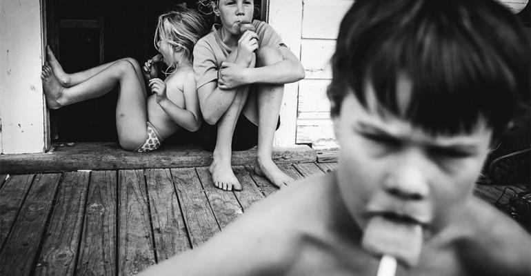 See fotoseeria tõestab, et tehnoloogia vaba lapsepõlv on võimalik ka tänapäeval