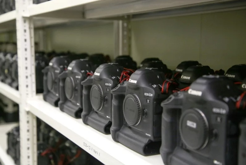 fd00698fa0a Nikonil on kaasas nende peegelkaamerate hetke kroonjuveelid D5 ja D850 ning  lisaks suur hulk erinevaid Nikkor objektiive. Võrreldes Canoniga pole Nikon  ...